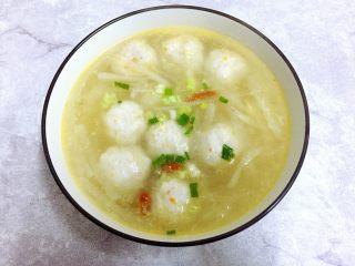 萝卜煮肉丸子汤