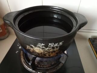 家常部队锅,烧一锅清水