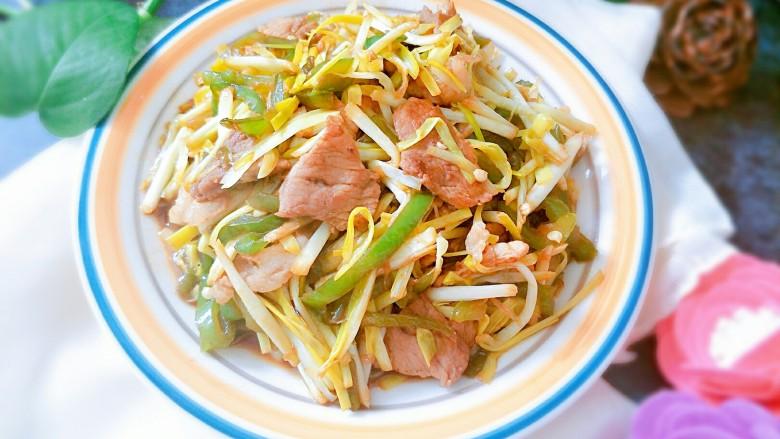 蒜黄尖椒炒肉