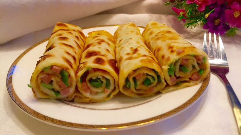 辣椒香葱午餐肉鸡蛋卷饼