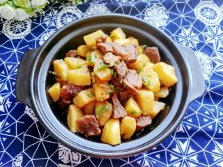 土豆炖牛肉,成品图来一张,诱惑一下。