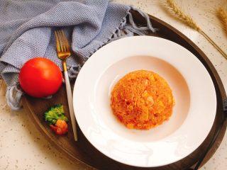 #炒饭秀# 番茄虾仁炒饭,番茄虾仁炒饭。