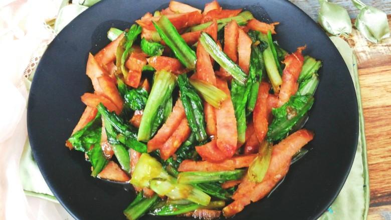 红肠油麦下饭菜