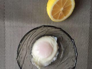 班尼迪克蛋,水波蛋,来一个。凉水下锅,煮至8分熟~