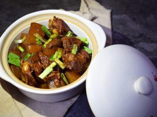 冬季常吃的食材:排骨炖白萝卜