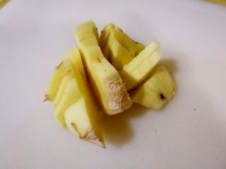 快手早餐姜汁撞奶  冬至前后最是温阳时,鲜姜去皮,姜皮凉姜肉温辛,易上火者不去皮。