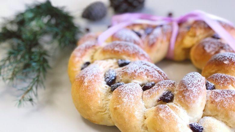 圣诞花环面包,超有圣诞气息的花环面包~