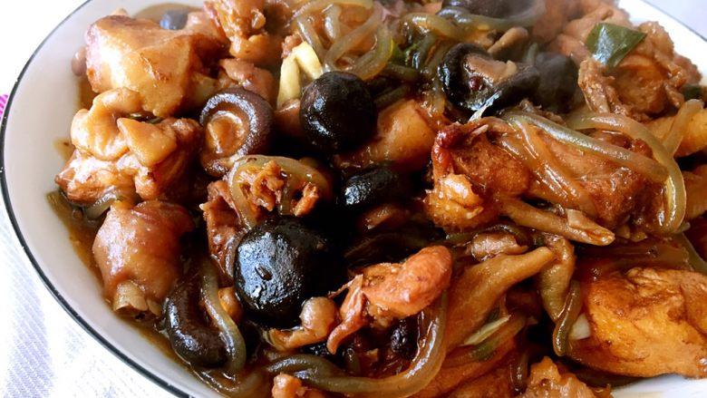 吃鸡+小鸡蘑菇炖粉条