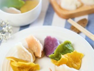 12m+彩色饺子(宝宝辅食),煮熟捞出,就可以喊宝宝吃啦~吃多少煮多少哈,剩下的可以放在冰箱冷冻,随吃随煮~