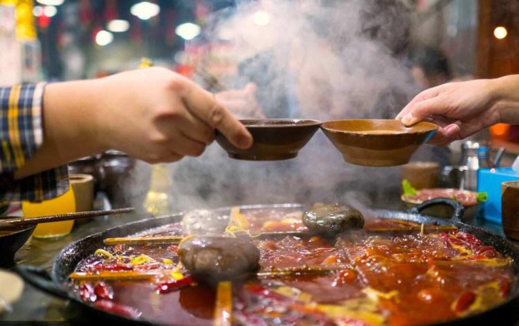寒冷的冬夜,只有美食才可以抚慰人心