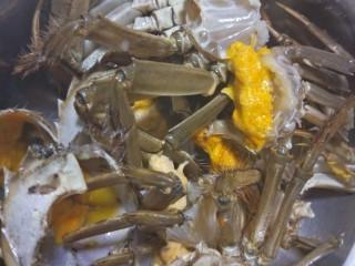 吮指香辣蟹,每只螃蟹都清洗干净处理好