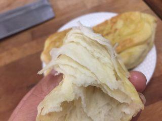 油酥饼子 ,烤出的成品外酥内软