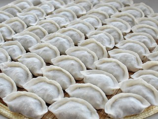 猪肉酸菜水饺,按以上步骤包好饺子