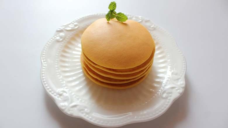 胡萝卜松饼(适合12个月龄以上的宝宝),一直重复煎就好剩下的面糊