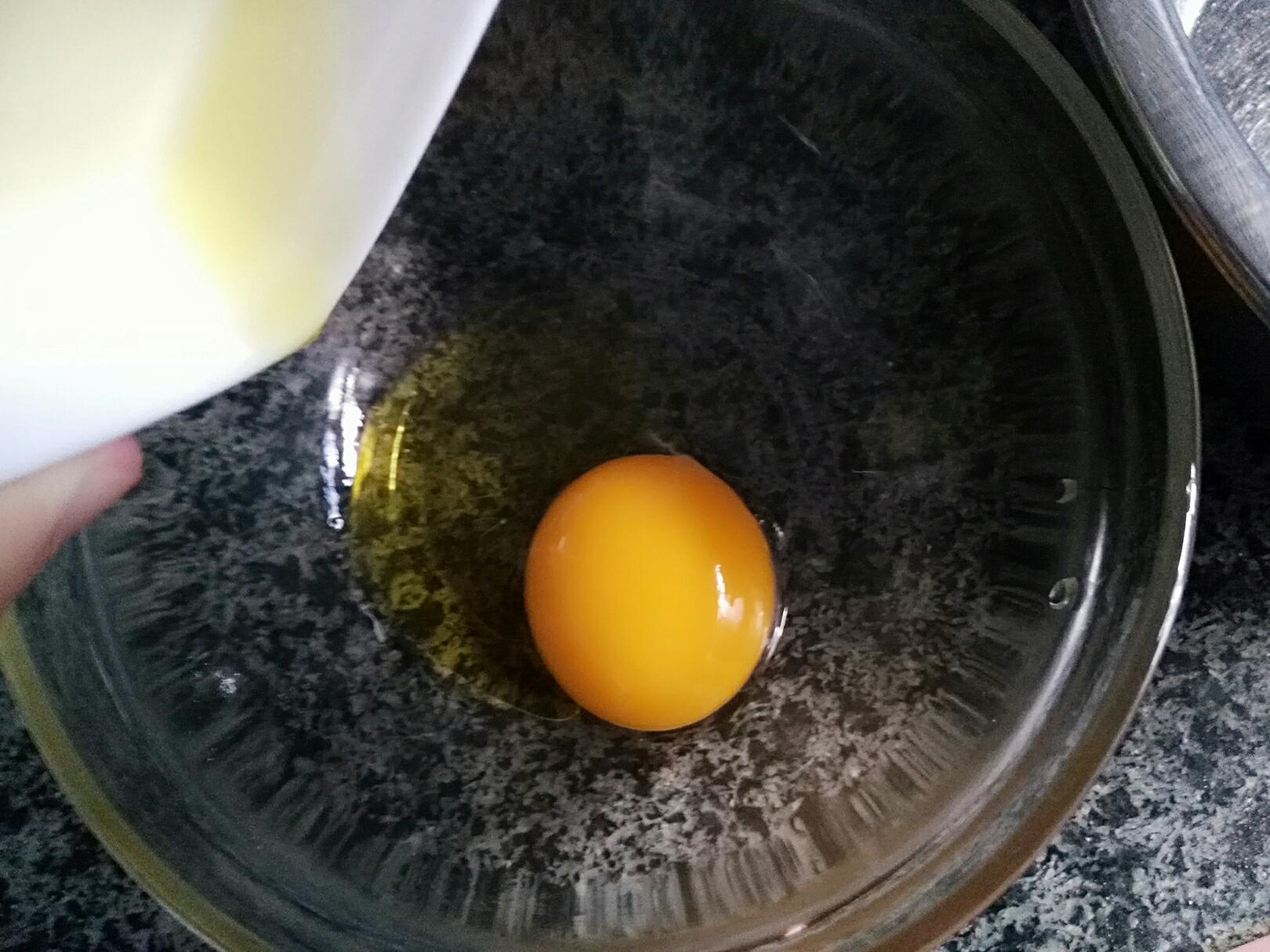 平底锅紫薯夹心蛋糕卷</p> <p>宝宝辅食,蛋黄加玉米油