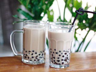 咕噜咕噜的珍珠奶茶🙈,加入适量珍珠,即可