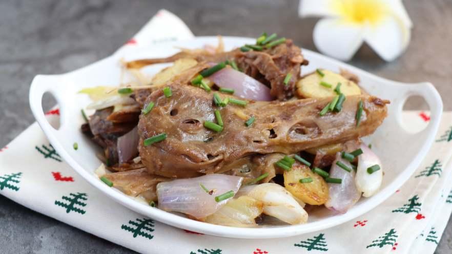 干锅土豆鸭头