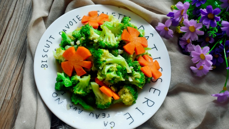 厨房挑战+素菜+蒜蓉西兰花