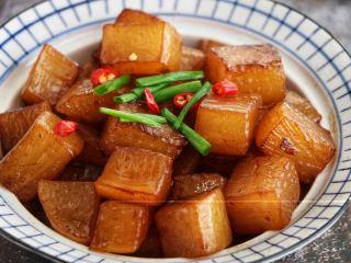 清炖白萝卜,很美味哦:)