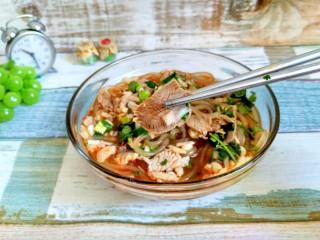 暖身羊肉汤,我刀工不好,切的不够薄透,不过自己吃,肉大点才好吃呐。