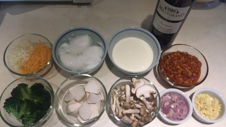 水波蛋肉醬燉菜佐法棍,正式來了哦!
