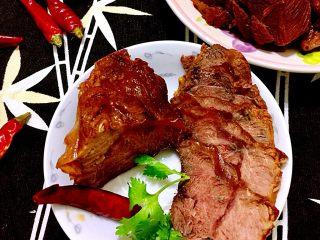煲一锅好卤➕香卤牛肉,放凉切薄片