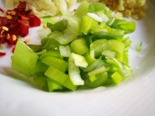 牡蛎菠菜,切葱花