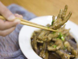 厨房挑战+荤菜+秘制红烧鸡爪,糯糯的鸡爪,一下能吃好几个!