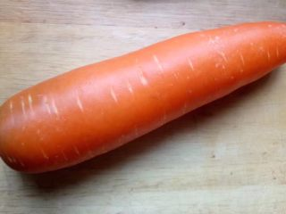 厨房挑战+荤菜+胡萝卜猪肉馅饺子,胡萝卜用半个