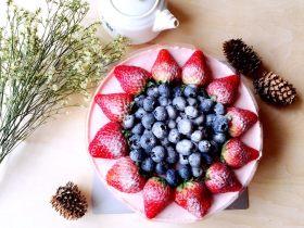 草莓慕斯(8寸生日蛋糕)