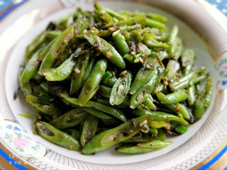 橄榄菜豆角,来一碗米饭开饭啦!