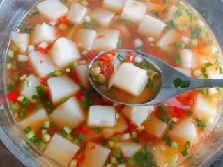 特色小吃米豆腐,好好吃,酸辣口味