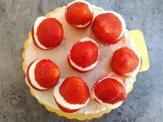 草莓裸蛋糕,全部做好