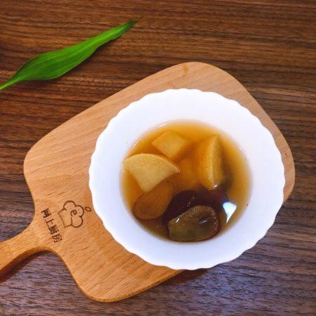 浓郁蜜梨红枣养颜汤