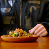 跨年夜零嘴No.1 這碗魚香茄盒你一定要學會!
