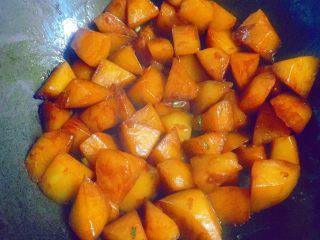 清炖白萝卜,然后大火收汁。
