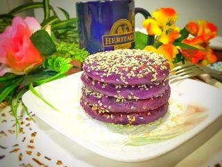 芝麻紫薯糯米饼