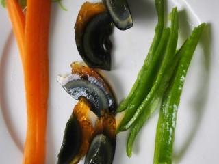 鸡肉卷,青椒切成长条