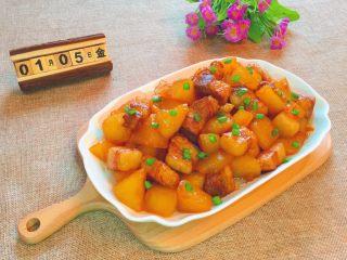 五花肉炖萝卜