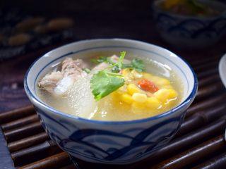 冬瓜玉米排骨汤,成品图
