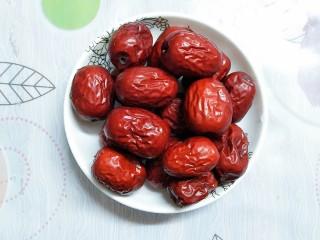 红枣糯米藕,十多个红枣!