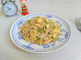 蒜苔鸡蛋炒面