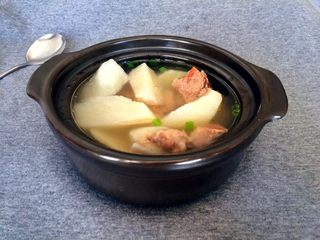 冬季暖汤~白萝卜排骨汤