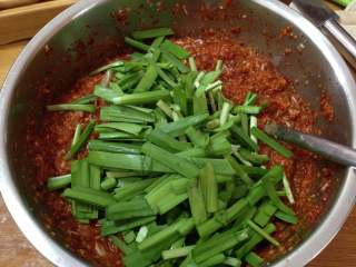 异域小菜-韩式辣白菜,加入韭菜