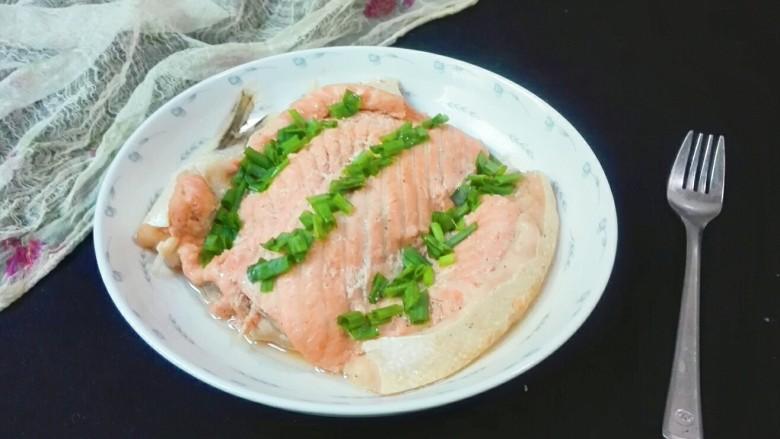 微波炉美食+红粉佳人款款深情而来~分葱三文鱼排
