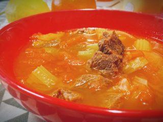 牛肉炖西红柿「高压锅加砂锅省时版」,这道炖菜,历久弥新,当之无愧的人气菜,你,爱吃吗?