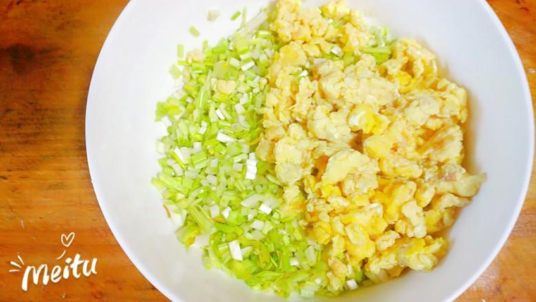 黄韭鸡蛋素馅饺子,鸡蛋,黄韭放一起