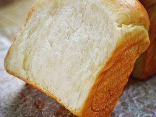 吐司面包,细腻,香软,有木有很想吃😄