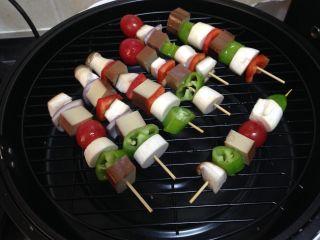 路边小吃自己做―鸡蛋干烤蔬菜串,放入空气炸锅(没有的可以放入烤箱)
