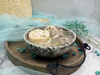 味浓汤鲜的莲藕排骨汤